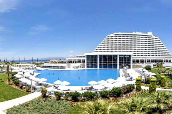 Piscine - Hôtel Palm Wings Ephesus Beach Resort 5* Izmir Turquie