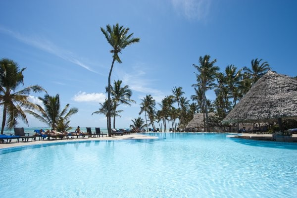 Piscine - Karafuu Beach Resort & Spa 5*